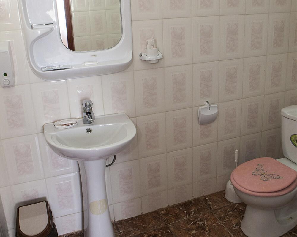 ванная комната в гостинице Динамо